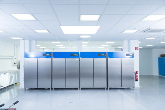 Climatic cabinets for sample storage
